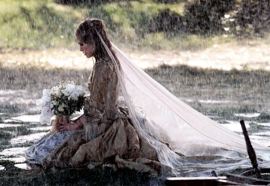 девушка с венцом безбрачия